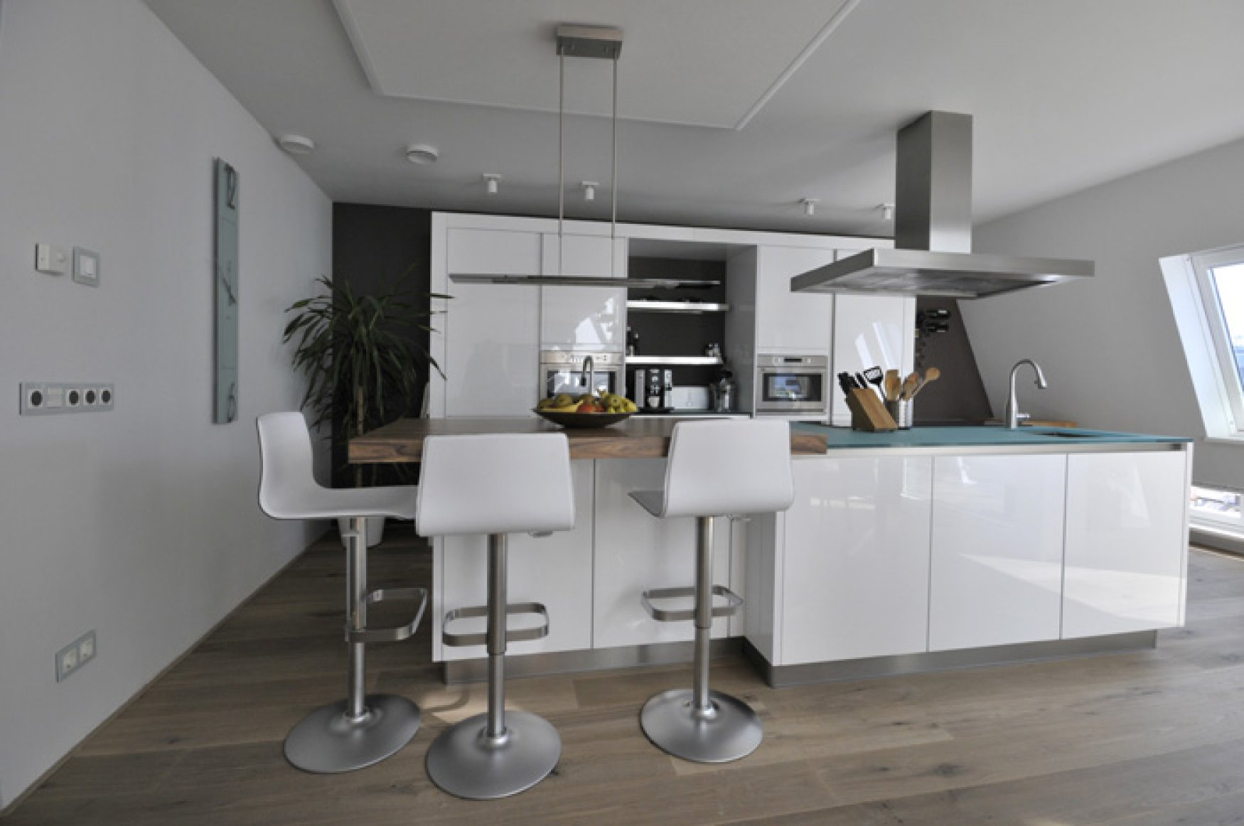 Keukenrenovatie Den Haag : Eethoek Keuken : HERTOGENBOSCH, BORDESLAAN Ref nr 2014108 van Hensbeek